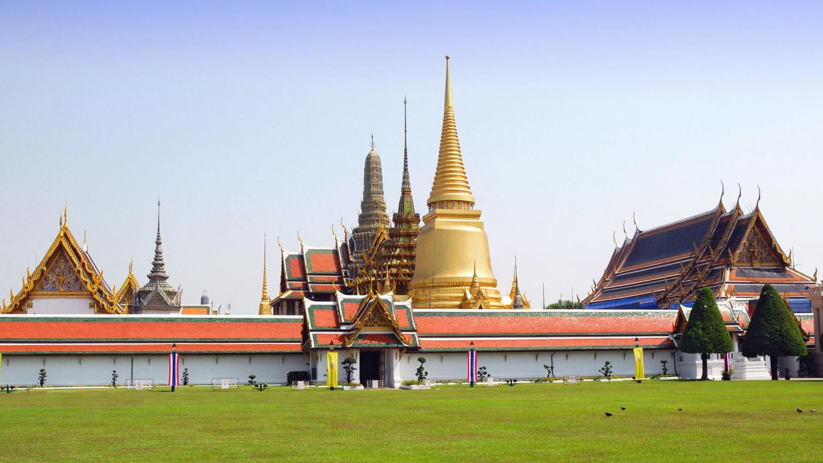 The Ultimate Top 10 Must-Do Guide for Bangkok