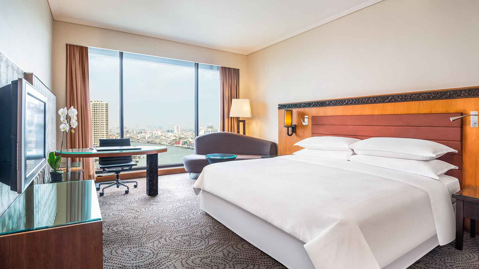 Club Deluxe Riverview Room Room - Royal Orchid Sheraton Hotel Bangkok
