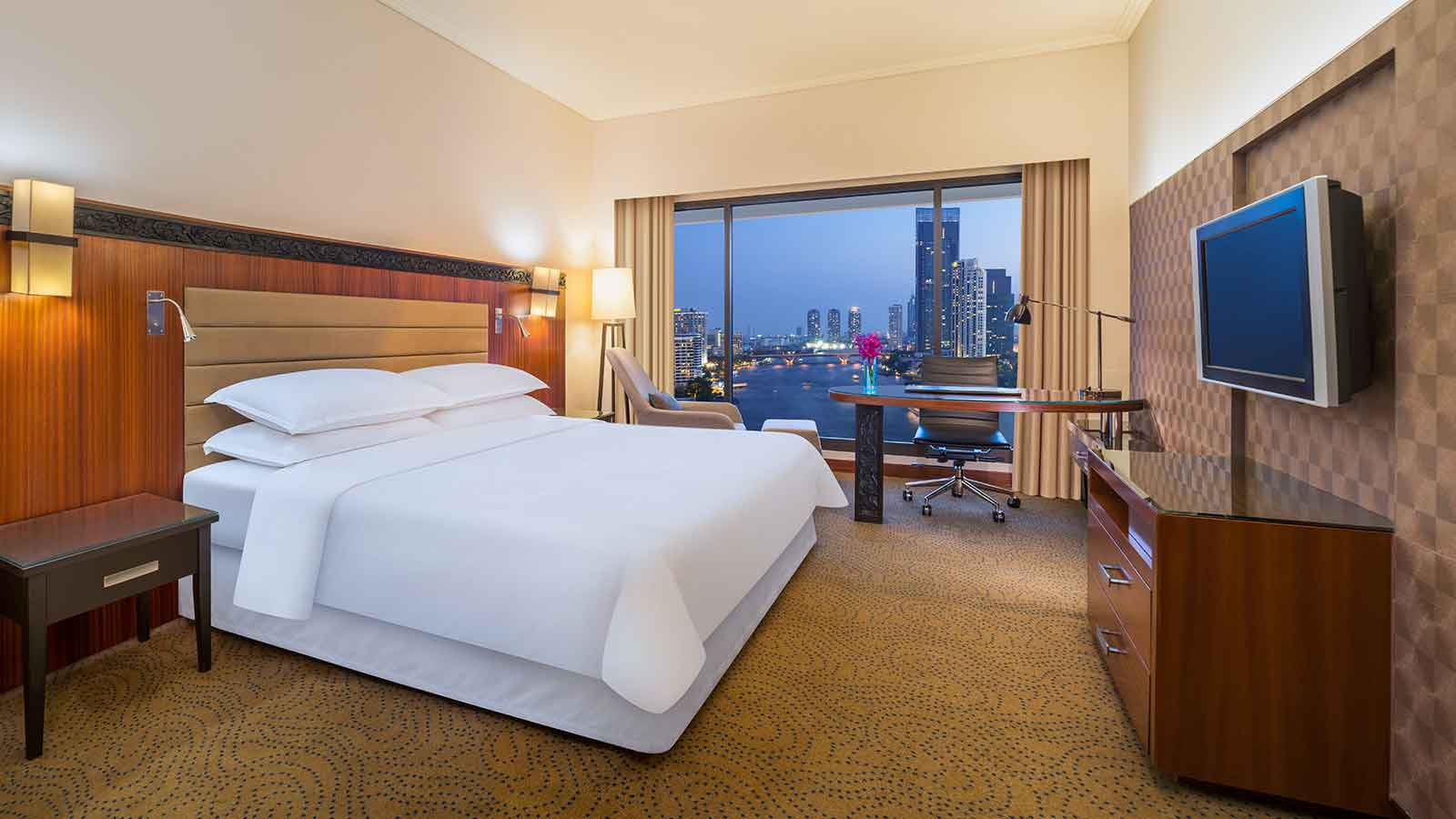 Premium Deluxe Riverview Room - Royal Orchid Sheraton Hotel