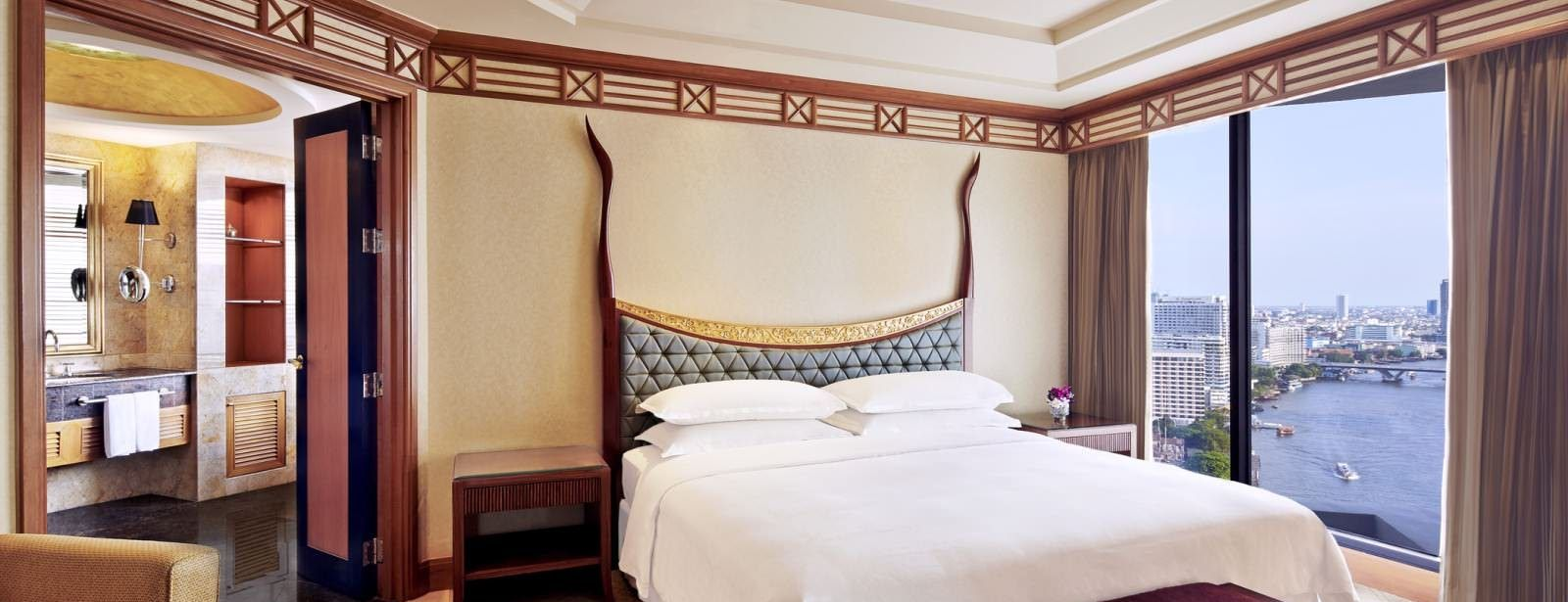 Royal Orchid Presidential Suite - Bedroom - Royal Orchid Sheraton Hotel Bangkok